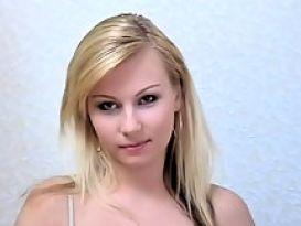 צעירה חרמנית ושווה בסקס נועז!