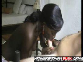 מציצה חמה מבחורה שחורה!