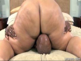 זין שחור גדול נותן סקס אנאלילשמנה