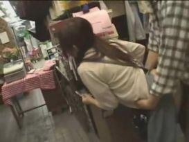 יפניים בסקס טוב באזור העבודה שלהם!