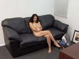 אדריאנה - שרמוטת סקס פעם ראשונה באודישן