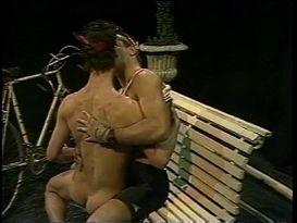 ריק דונובן בזיון על הספסל!