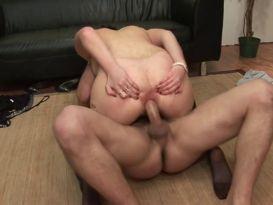 אחלה של סקס נהדר עם צעירה חרמנית!