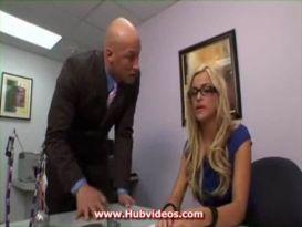 זיון חזק בתחת במשרד!