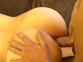 סקס אנאלי חם ישר לתחת טוב!