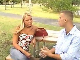 ורוניקה נאספת מהפארק עבור סקס