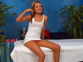 צעירה יפה אוהבת מין חם ונהדר!