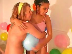 מסיבת סקס טובה אם צעירות יפות!